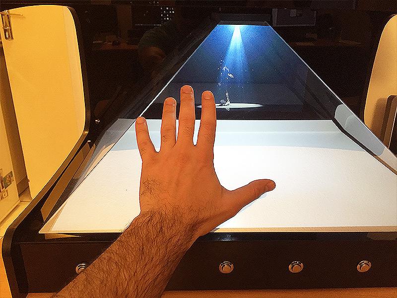 Echelle / Taille SUPERNOVA Hologramme
