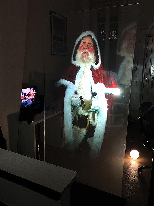 Père Noël holographique - PLV hologramme